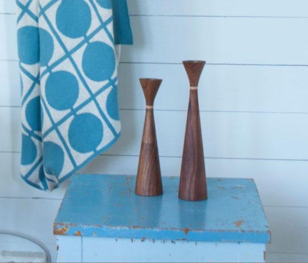 Kerzenständer in zwei Größen aus Holz und im Lydia Design von Funky Doris