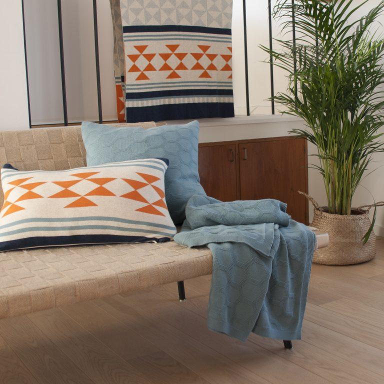 Iben in Orange und Blau ist eine schöne Ergänung zu Muster Herdis von Funky Doris