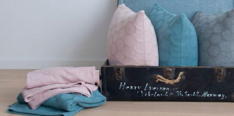 Funky Doris Kissen Decke Herdis pastell in Blau, Rosa und Grau
