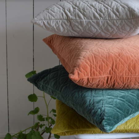 Funky Doris Kissen Alma in vier Farben im Nordic Design