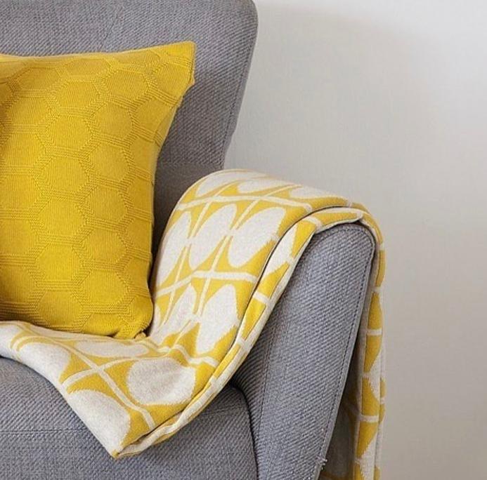 Kissen und Decken in Gelb im Nordic Design (Foto @urbaanihomewares)