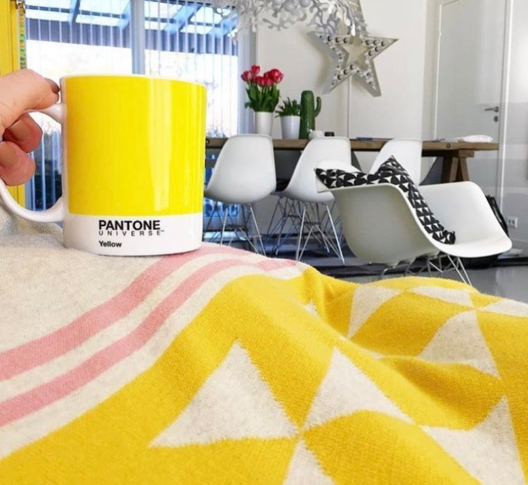Strahlendes Gelb auf der Decke Iben von Funky Doris (Foto @bypiapei)